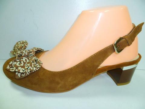 Женские замшевые туфли на низком каблуке. Закрытые босоножки Welfare 1300261