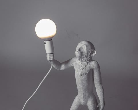 лампа настольная The Monkey Lamp Standing Version