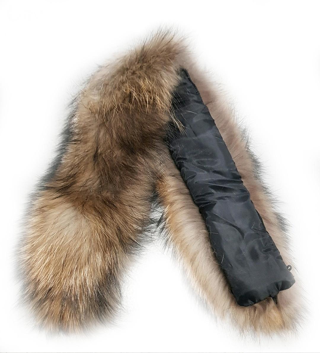 Опушка меховая на капюшон из натурального меха енот 70см.