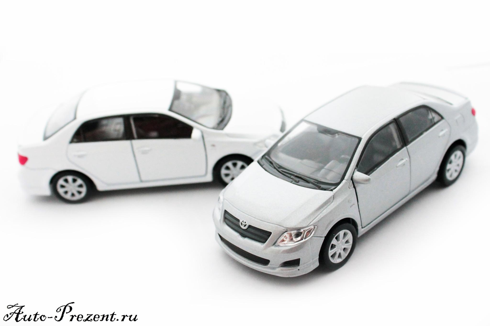 Машинка-игрушка Toyota Corolla