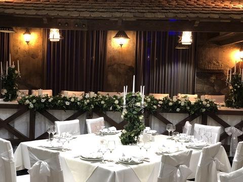 Декор столов для гостей
