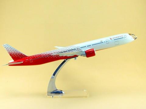 Модель самолета Boeing 777-300 (М1:144 Россия, Леолет)