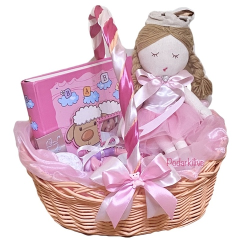 Беби букет в корзине для девочки