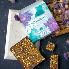 Шоколад Nilambari с пыльцой и цветами корицы, 65 г