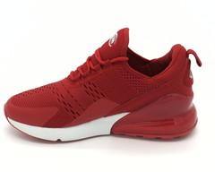 Красные кроссовки из текстиля