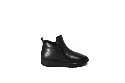 Черные кожаные ботинки на сплошной платформе