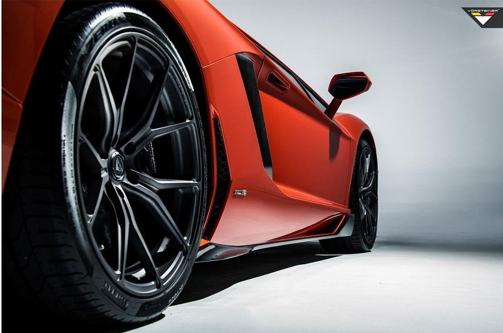 Карбоновые боковые лезвия Vorsteiner Style для Lamborghini Aventador