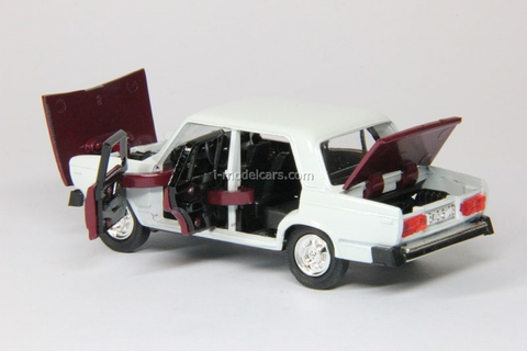 VAZ-2105 Lada Rally #43 white-darkred Agat Mossar Tantal 1:43