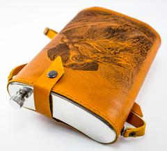 Фляга «Охота», натуральная кожа с художественным выжиганием, 2 л, фото 3
