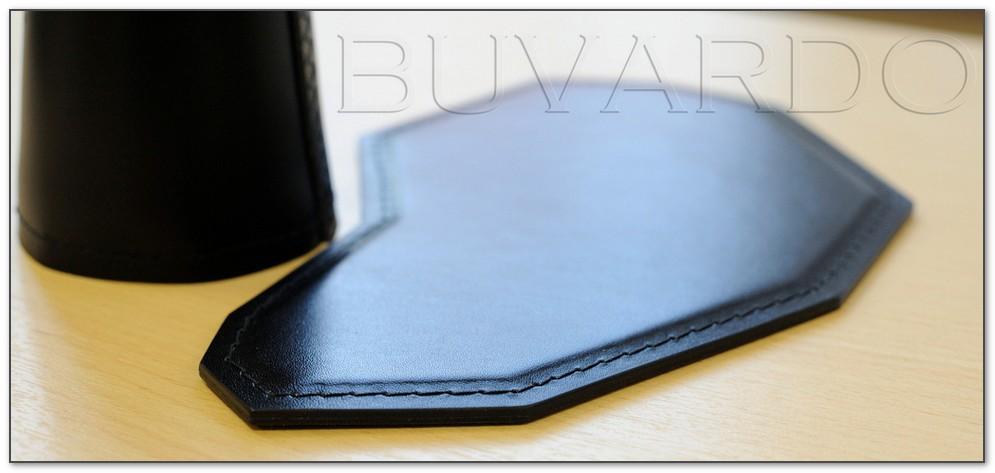 Коврик для мыши Lambo крупным планом на столе kupi-buvar.ru .