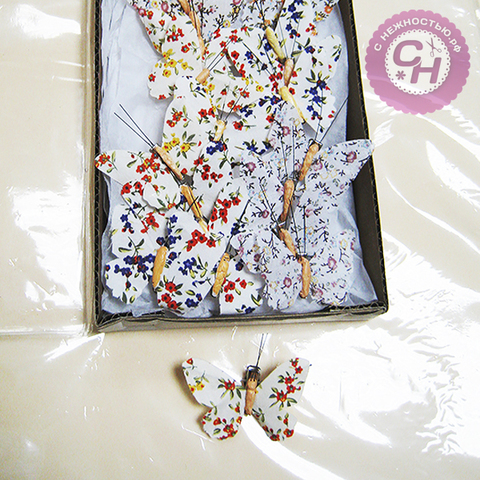 Бабочки декоративные на прищепке тканевая с узором 6,5 см.