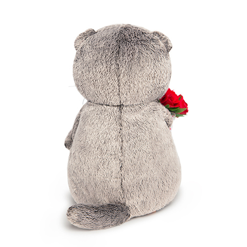 Кот Басик с букетом красных роз