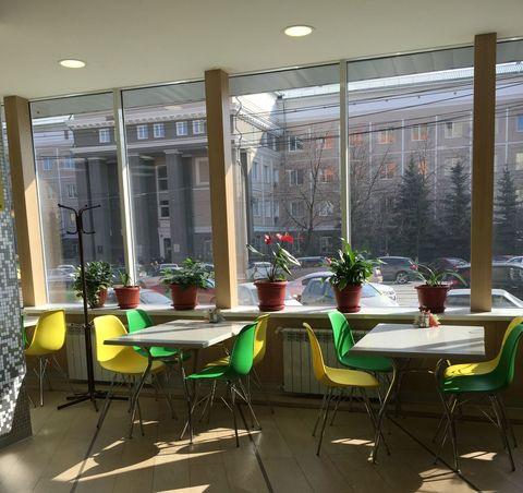 стулья Eames для столовой