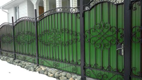 Кованый забор с профнастилом N-6