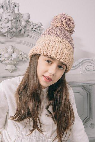 Бежевая шапочка с фиолетовой нитью для девочки