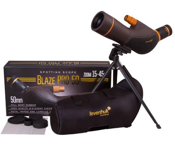 Комплект поставки трубы Levenhuk Blaze PRO 50: штатив, салфетка, чехол для хранения