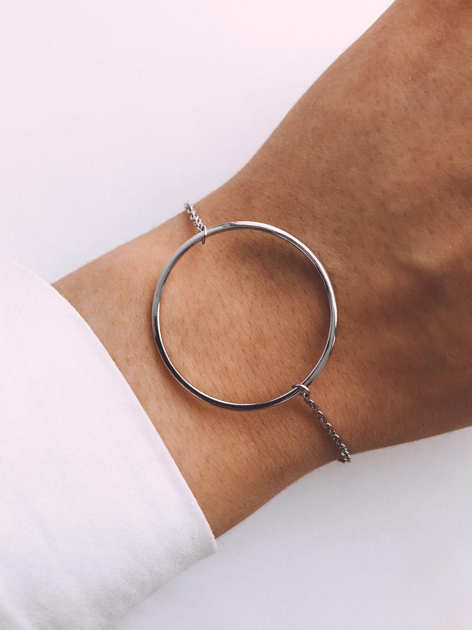 Серебряный браслет на цепочке с кольцом 30 мм