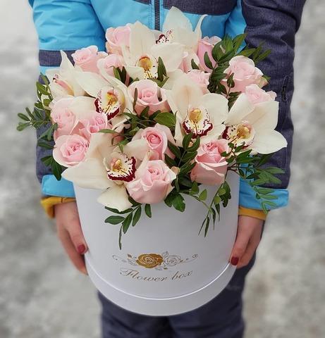 Коробка розы с орхидеей 6