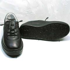 Черные кроссовки с черной подошвой женские Rozen M-520 All Black.