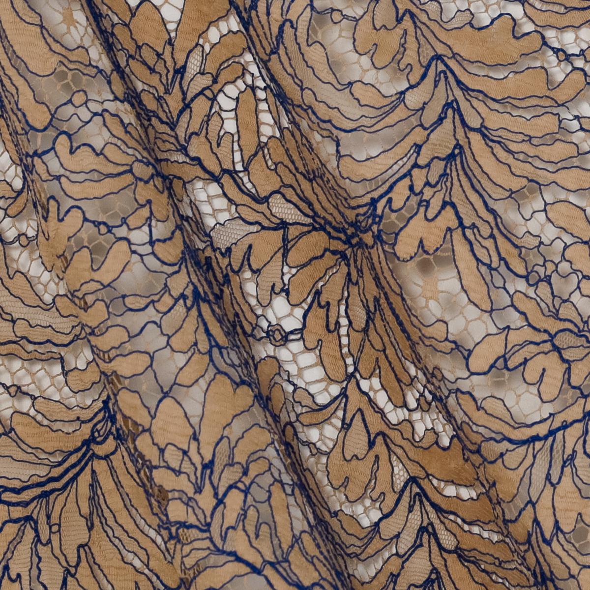 Французское кордовое кружево бежевого цвета с синим сутажом