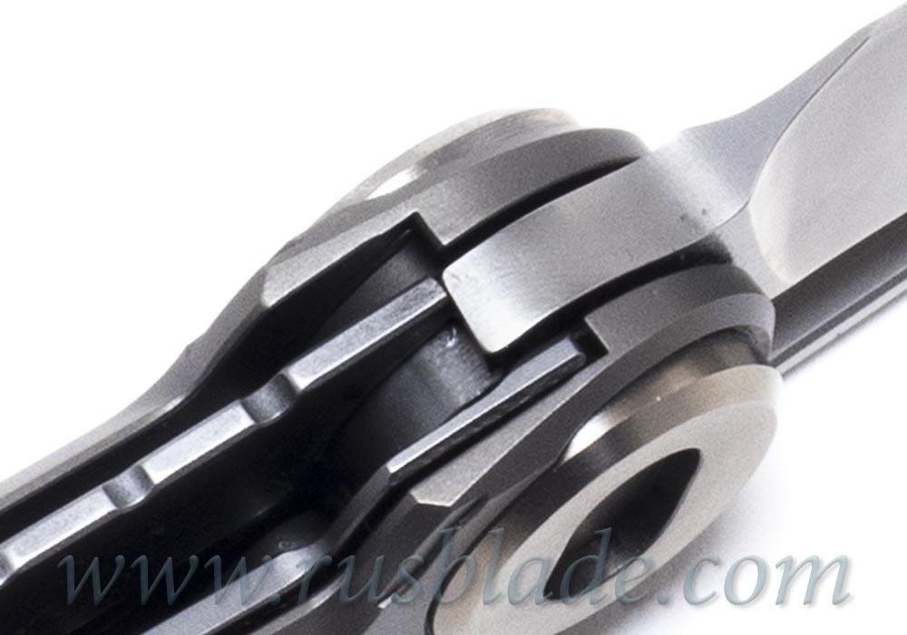 CKF/Snecx TERRA knife collab (Zirc)