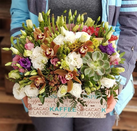 Ящик с цветами Январь 3
