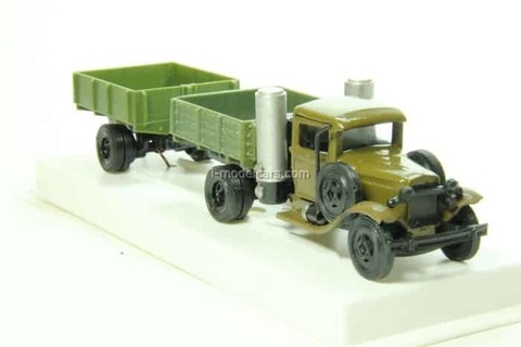 GAZ-42 gas generator with trailer LOMO-AVM 1:43
