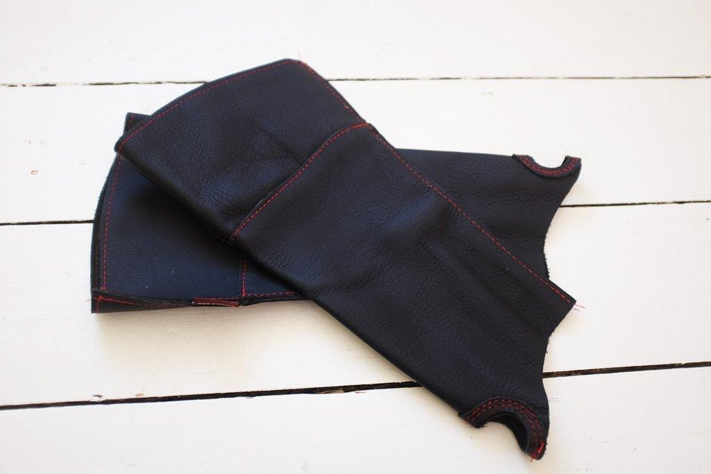 Нарукавник кожаный для защиты от шипов Bradleys