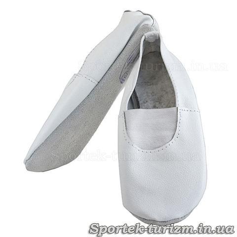Чешки білі для занять спортом і танцями