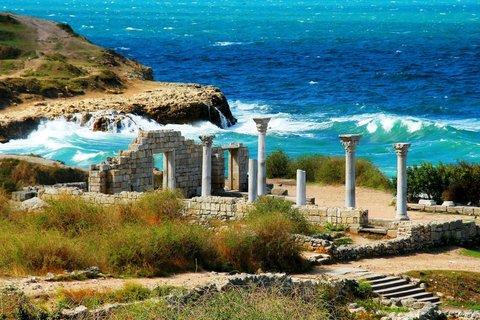 Картина раскраска по номерам 40x50 Остатки древней архитектуры у моря