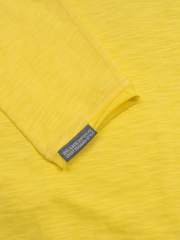 Футболка с длинными рукавами жёлтого цвета с круглым вырезом