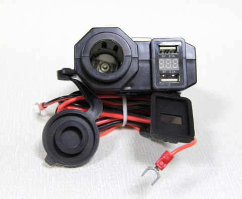 Прикуриватель и 2 USB-разъема с индикатором вольтажа