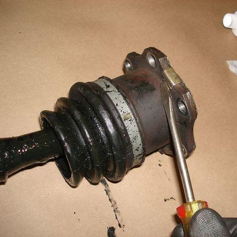 Замена внутреннего пыльника ШРУС Prado 150