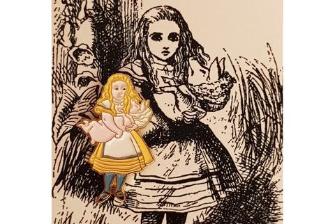 Пин Алиса в стране чудес. Алиса c поросёнком
