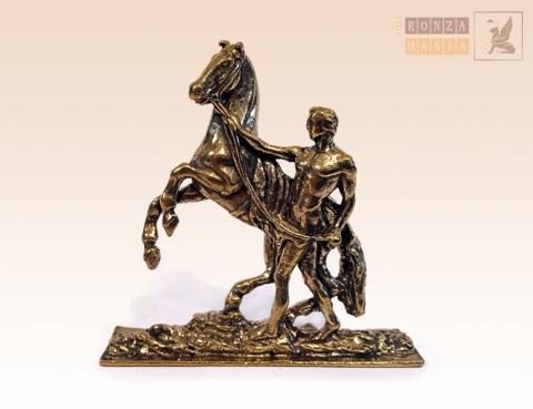 фигурка Аничков мост, Укротитель коней стоит