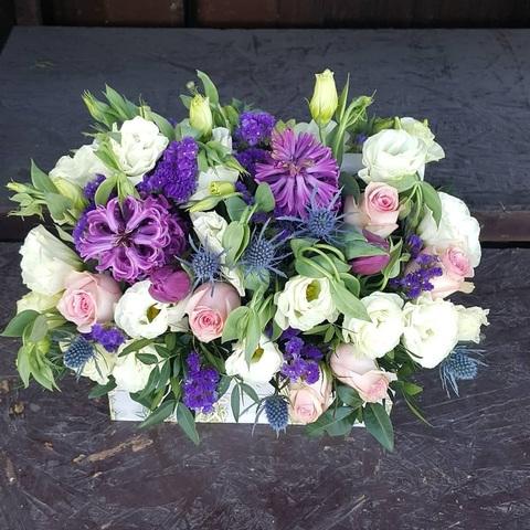 Ящик с цветами весенний 1