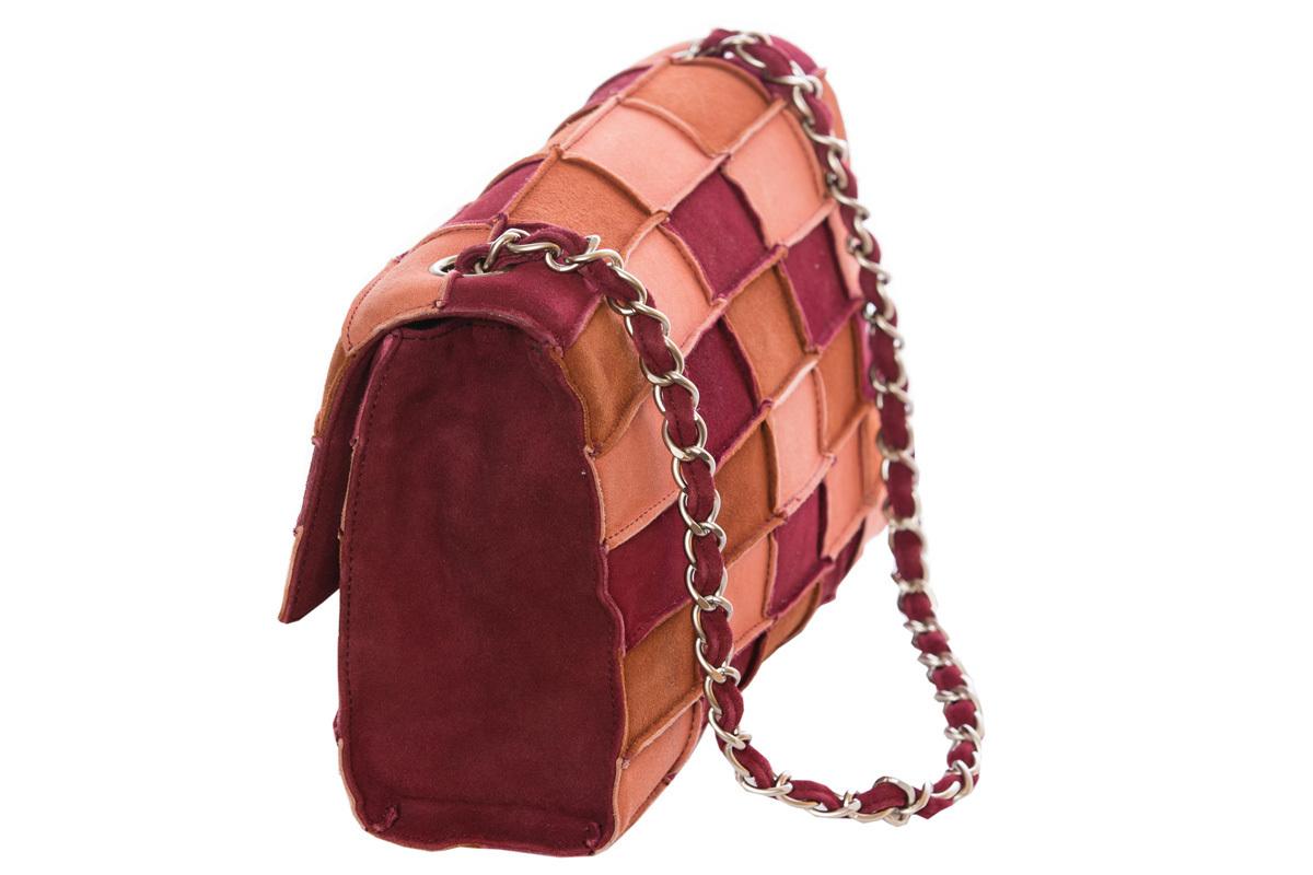 Замшевая сумочка в стиле пэчворк от Chanel 1998 г.