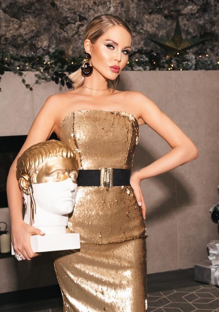 Корсетное платье из золотистых пайеток