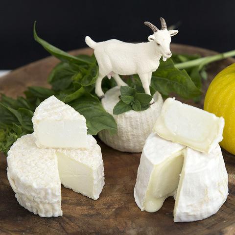Фотография Козий сыр мягкий «Кроттен» / 100 гр купить в магазине Афлора