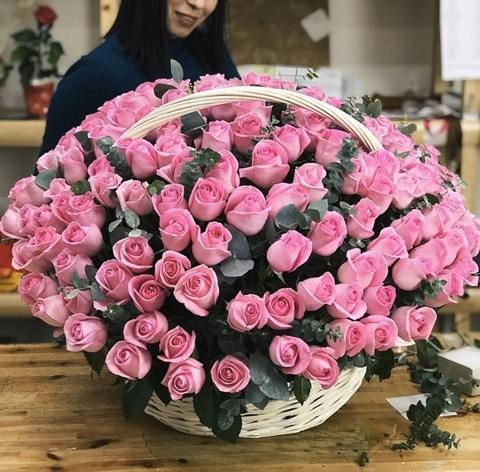 151 роза в корзине #8390