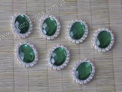 Камни овальные в стразовом обрамлении зеленые