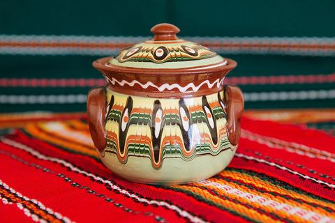 Традиционная болгарская скатерть 150х240