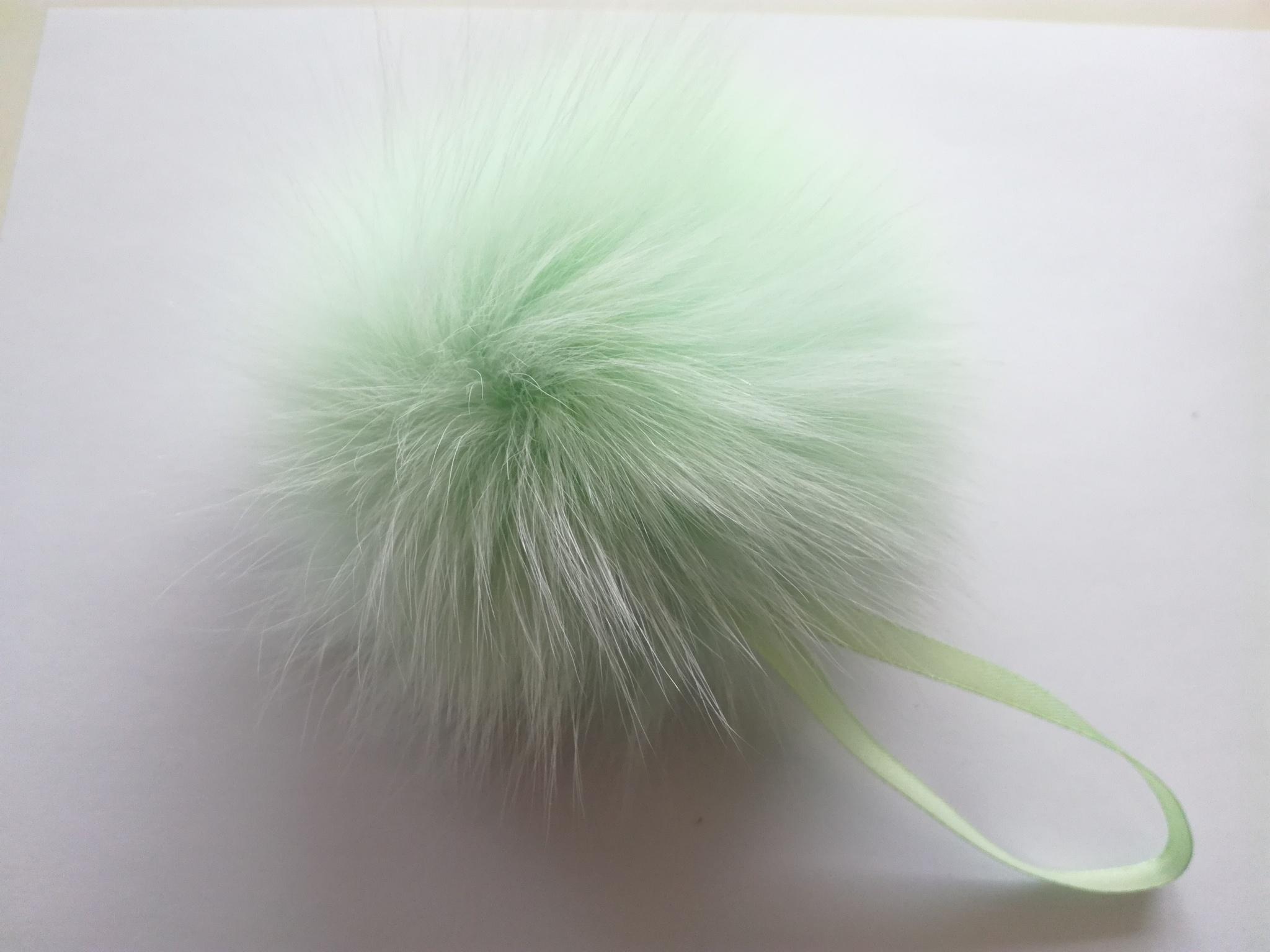 Помпон песец натуральный мятный 14-16 см