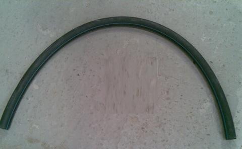25643024 Трубка резиновая для подачи вакуума на насос, диа. 28/16 х 1000 мм