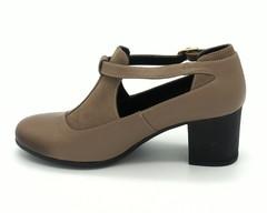 Туфли на устойчивом каблуке с ремешком