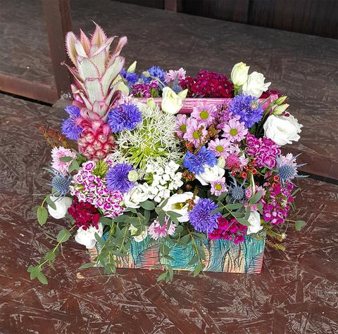 Ящик с цветами Сиреневый 4