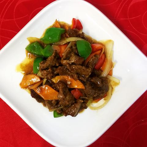 38-24Говядина по-пекински北京牛肉