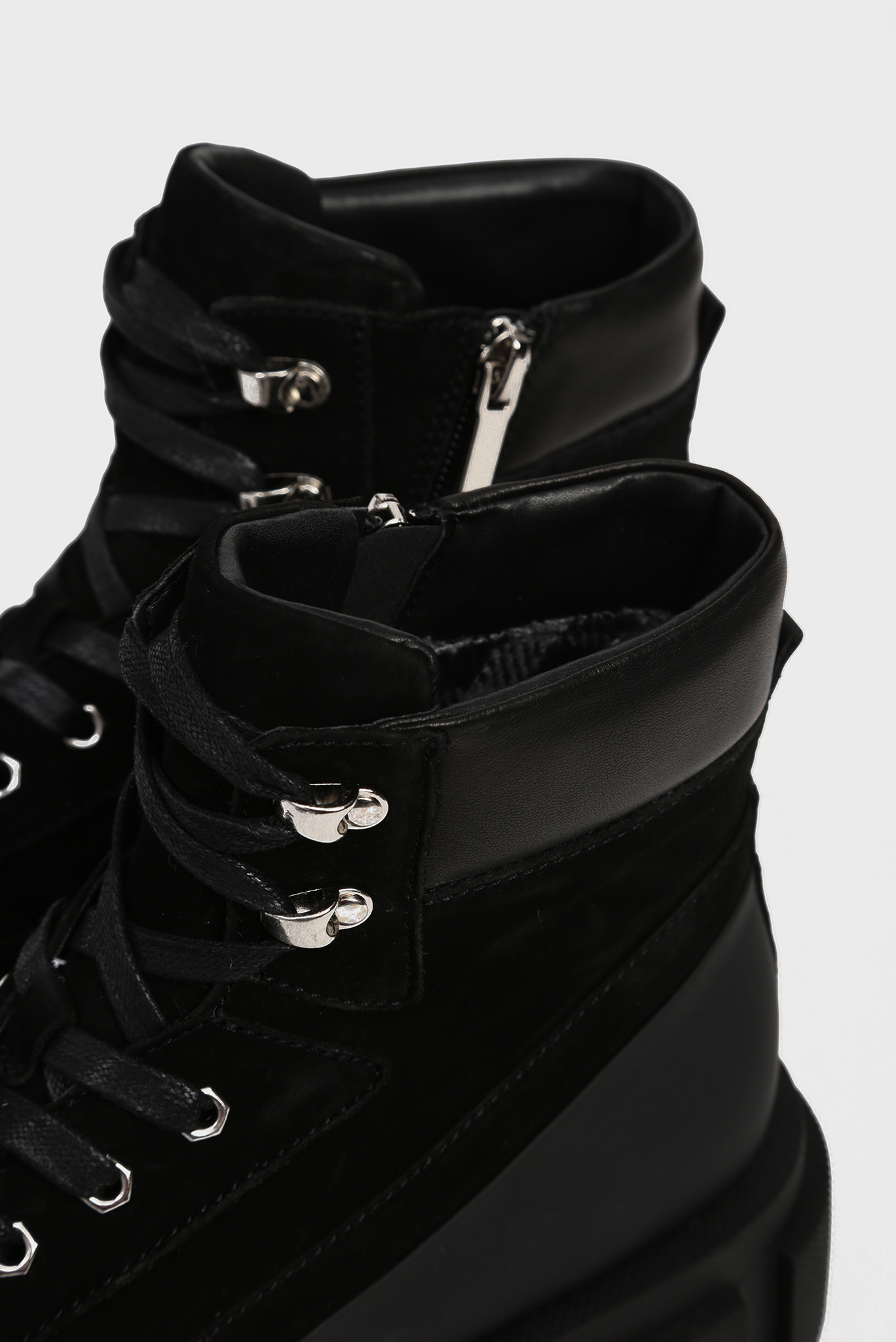 Женские черные замшевые ботинки Aslana Preppy