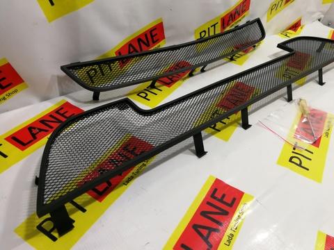 Защита радиатора Lada Granta 2014- лифтбек, седан (2 части) черная Стрелка