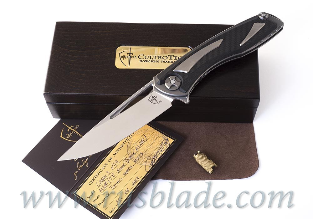 Svarn III cutout mode knife by CultroTech